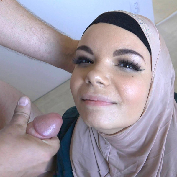 Muslim Cuckold fucking - Photo 13 / 16