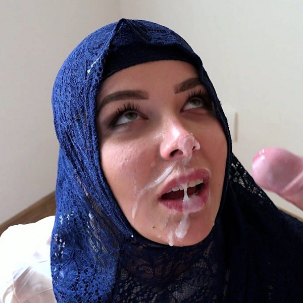 Rich muslim lady Nikky Dream wants to buy apartments in Prague - Photo 15 / 16